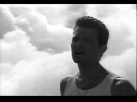 Chris Isaak - Dont Want To Fall In Love With You
